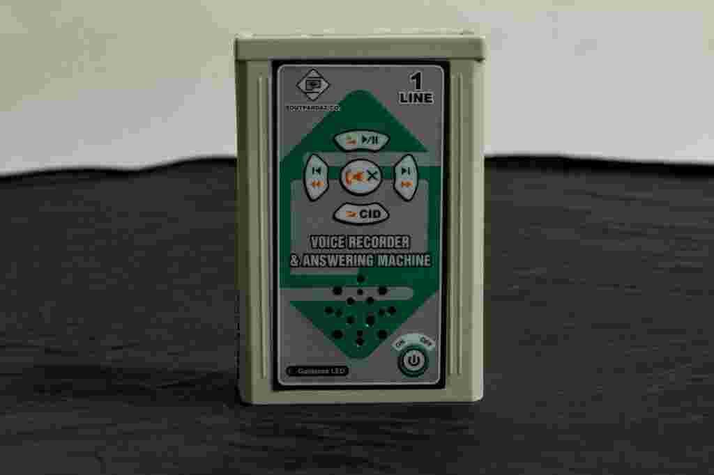 دستگاه ضبط مکالمات